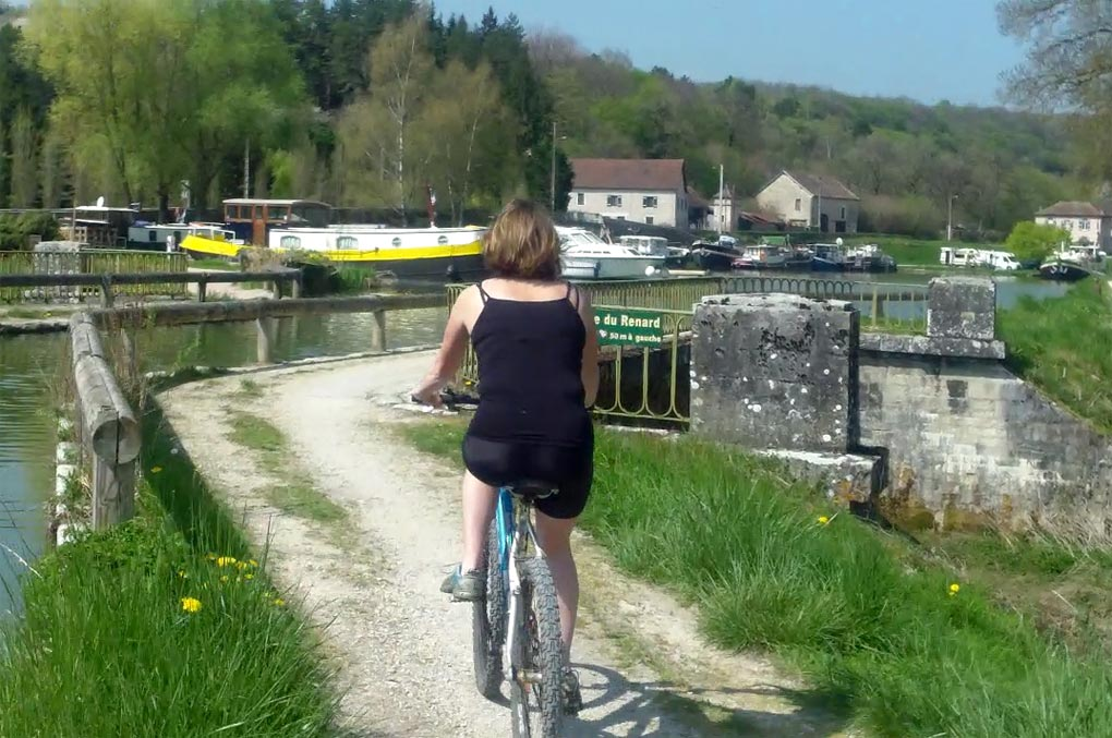 Cycling along the canal towpath