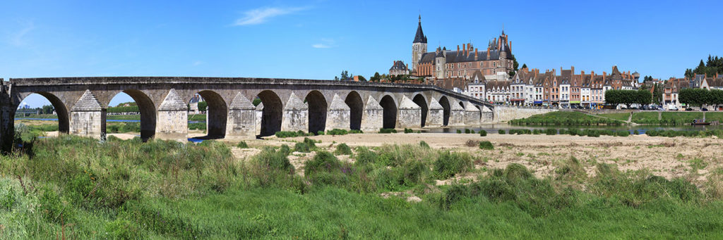 Gien 12-arched bridge