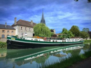 Saroche cruising in the Champagne region