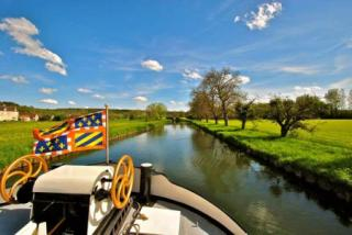 The Nivernais canal