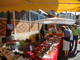 Visit the Dijon markets