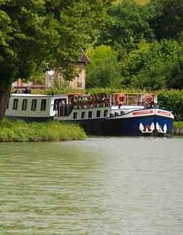 Hotel barge La Belle Epoque
