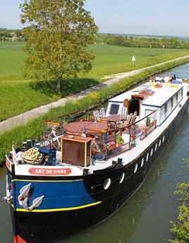 Art de Vivre Hotel barge