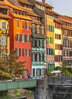 Discover the canals and rivers in eastern France boat rental holidays