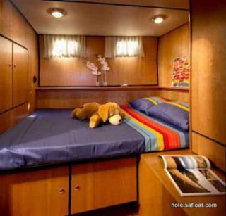 France Afloat : Linssen 29.9 Aft cabin photo 2