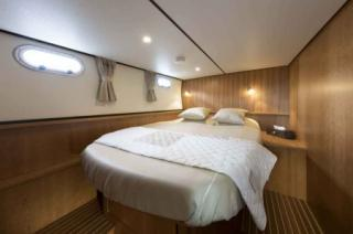France Afloat : Linssen 35 Aft Cabin photo 13