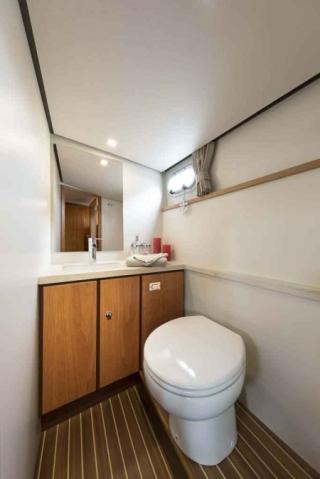 France Afloat : Linssen 35 Aft Cabin photo 15