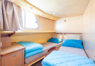 Locaboat : P1500 FB photo 15