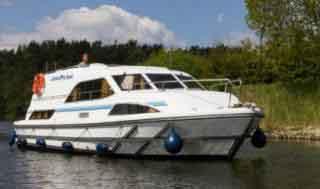 Clipper self-drive boat