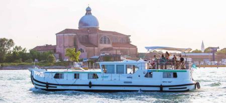 P1500 FB Locaboat
