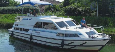 Crusader Le Boat
